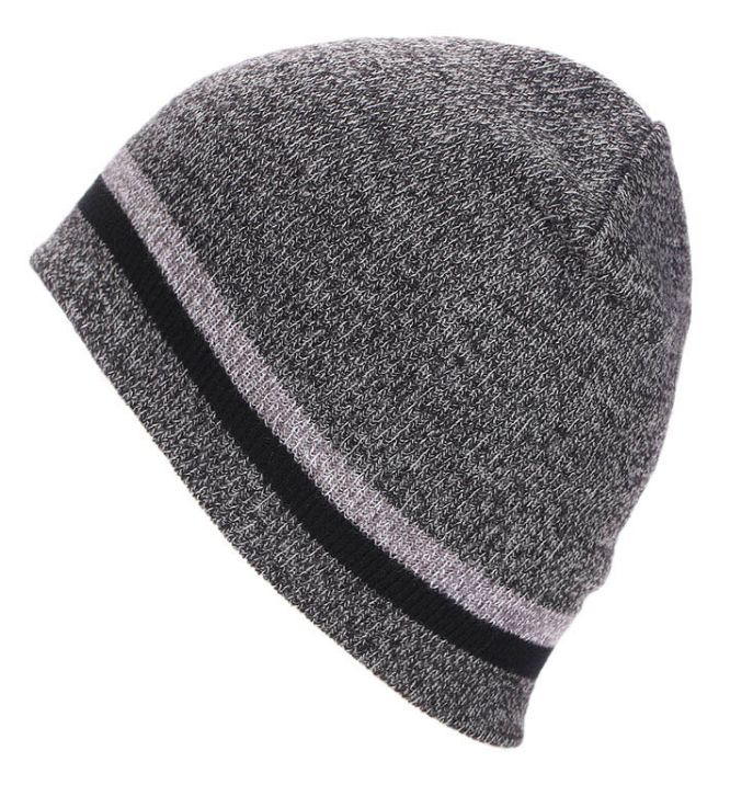 Grey beanie with stripe