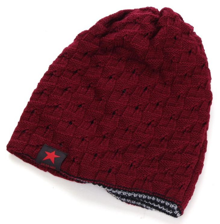 Red beanie with star